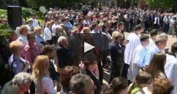Embedded thumbnail for Újraszentelték a szabadkai Szentháromság-szobrot