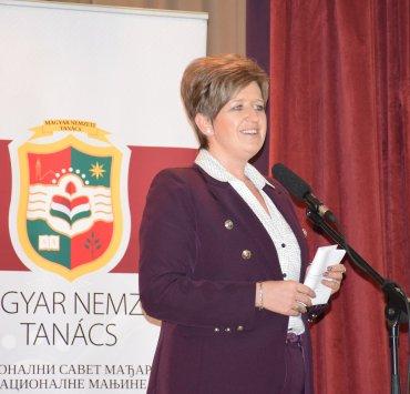 Савез Ракоци поклонио књиге са мађарским народним бајкама и чоколаду деци предшколске установе